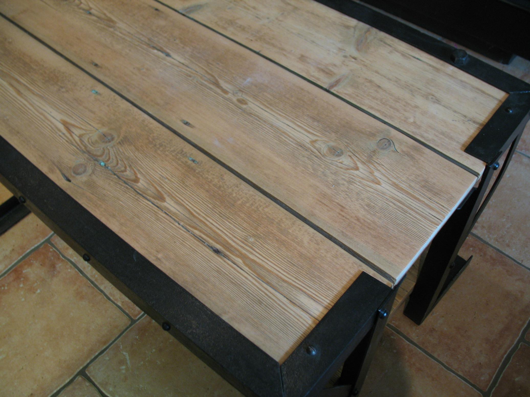 Faire une table basse avec une vieille porte - Comment fabriquer une table basse ...