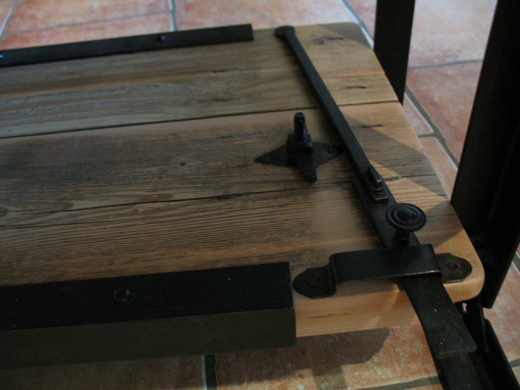Table basse pure cr ation partir de mat riaux r cup r s un sommier ancien - Fermeture de porte ancienne ...